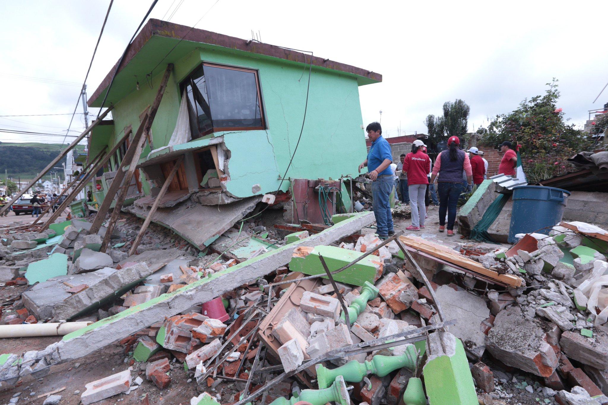 Panistas proponen liberar recursos de campañas para apoyar a víctimas del #sismo https://t.co/BZQEv1wvcg https://t.co/WwWS6HffIw