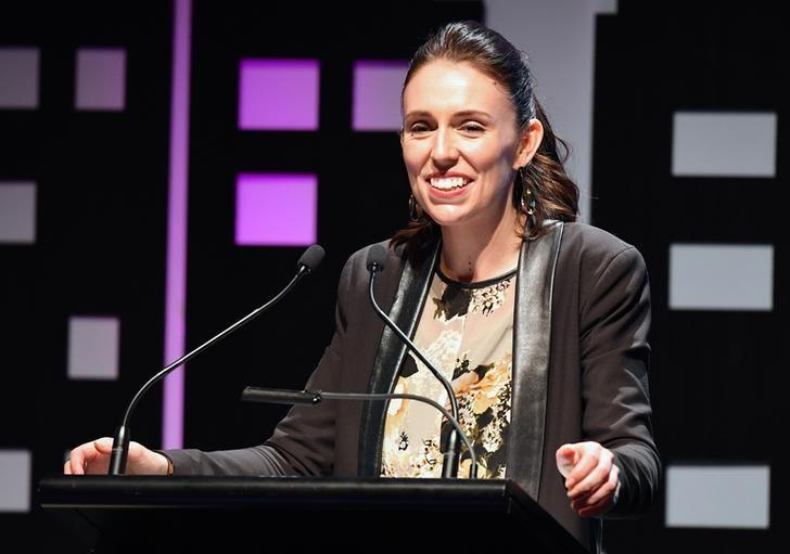 New Zealand goes to polls on Saturday, ending tight, volatile race https://t.co/Lfw3v5v2DA https://t.co/a6Vk4OFClr