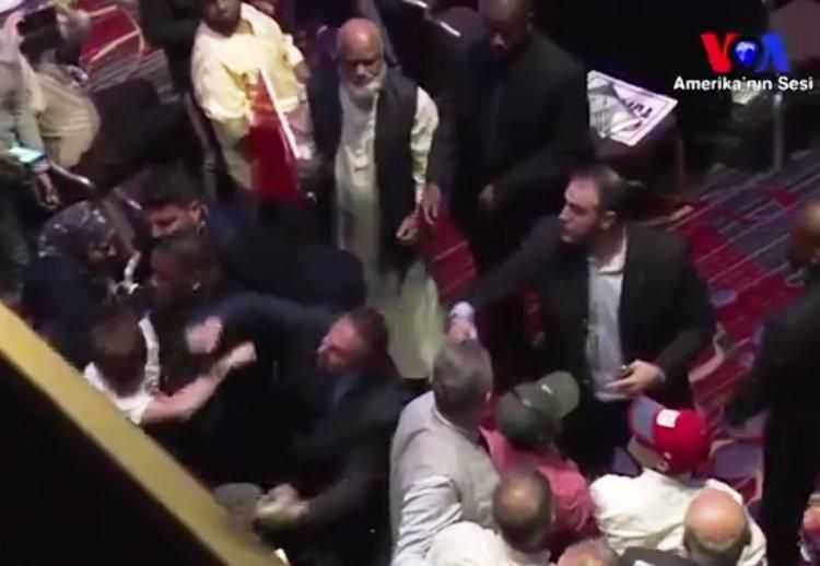 SEE IT: Pro-Erdogan brawlers beat up protesters in Times Square hotel https://t.co/MLqiXsTS0p https://t.co/E5bcoeKlso