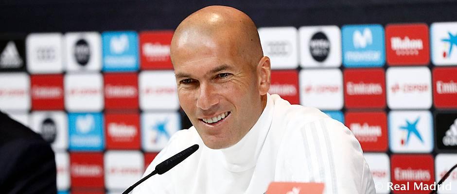 """���� #RMLiga  #Zidane: """"La Liga es muy larga y nosotros vamos a seguir con nuestro trabajo""""  https://t.co/IWWewxZuv0 https://t.co/h68HmJTCNO"""
