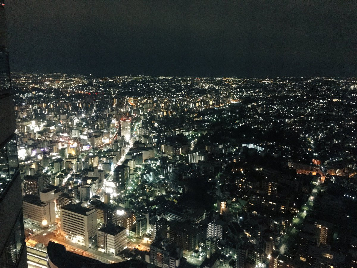 前にアイカツMFで泊まった横浜のホテルの方が高層階で綺麗だった