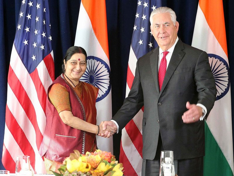 Sushma Swaraj meets US Secretary of State, raises H1-B visa issue
