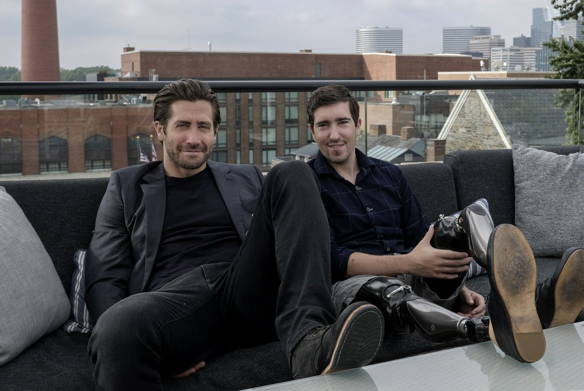 RT @JakeG_Online: Jake Gyllenhaal and Jeff Bauman @StrongerTheFilm (https://t.co/jSo0iuqSdy) via @washingtonpost https://t.co/PYiabC5Gme