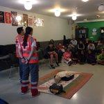 Hasi da ikastaroa!  Empieza el cursillo de primeros auxilios #sos #cruzroja #gurutzegorria https://t.co/dhRIDMIg86