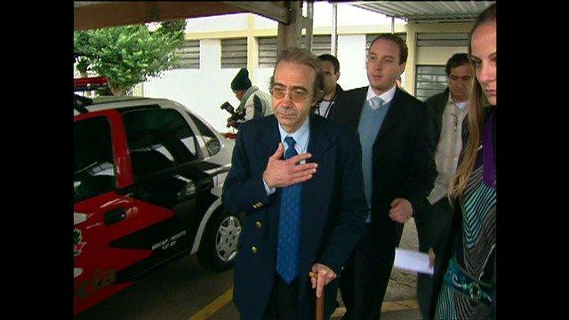 Condenado, ex-médico comete suicídio antes da chegada da polícia à sua casa