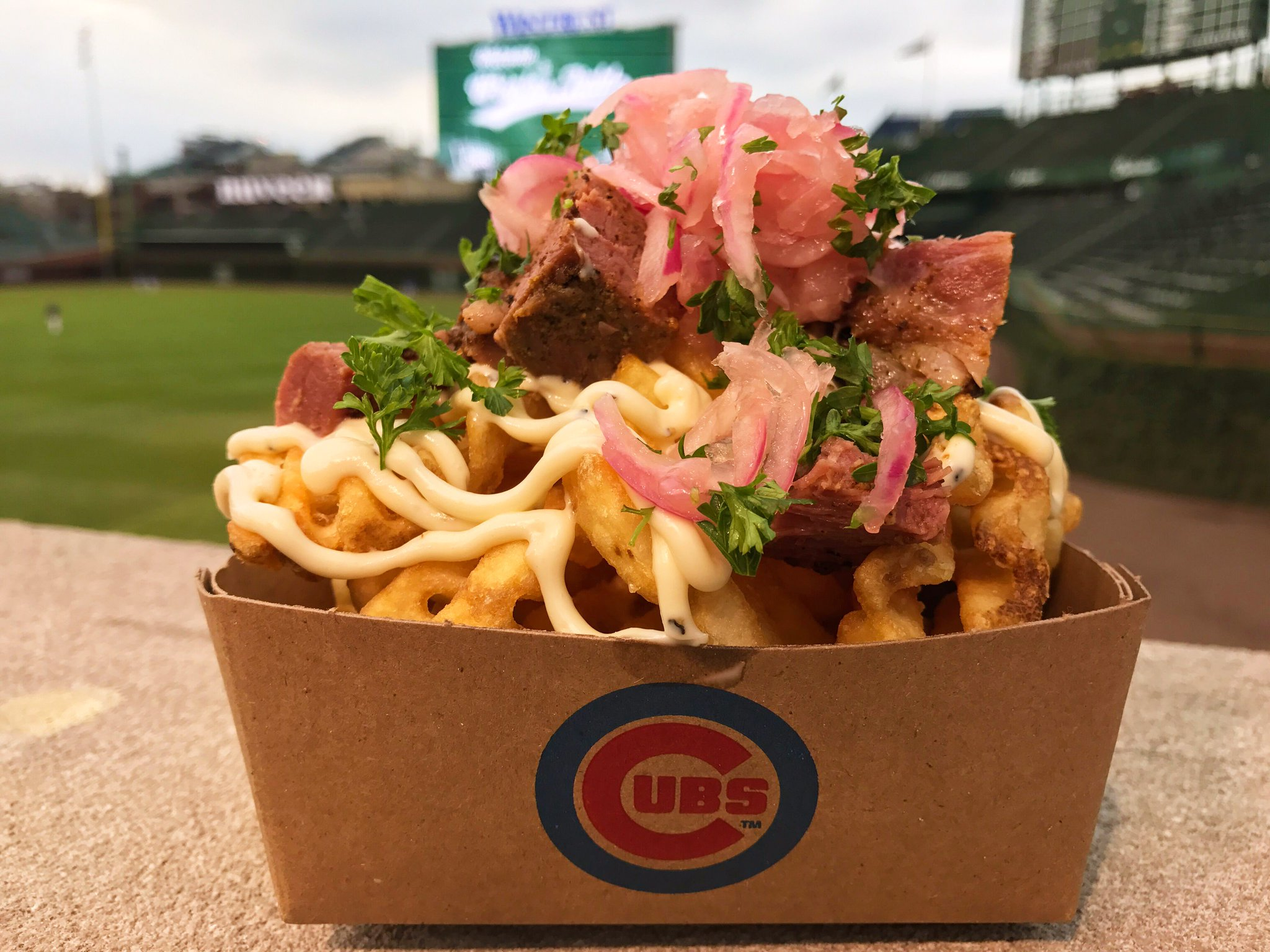Part of a well-balanced ballpark diet. #FoodieFridays https://t.co/vu4At4shOm