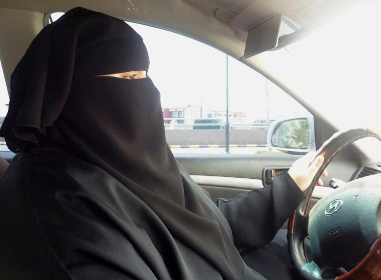 Saudi cleric suspended over 'quarter-brain' women drivers quip https://t.co/AZwLUuN4ee https://t.co/NnKec3fArp