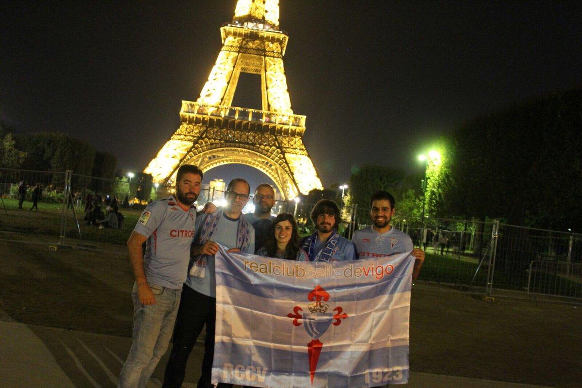 @jacobobuceta @PaulitaMontes7 Nace la Peña @celta_eiffel #Celta #France #Eiffel https ...