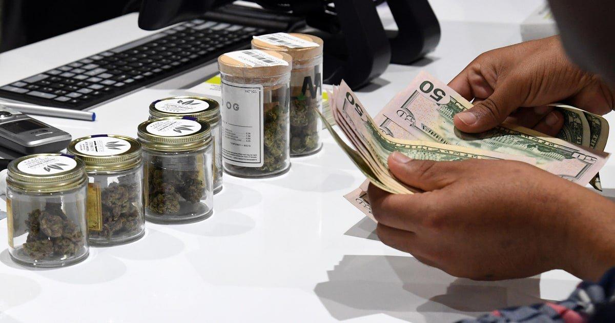 Can legal pot make you rich? https://t.co/2QfFBTnwSO https://t.co/GpJJQ5Pv5a