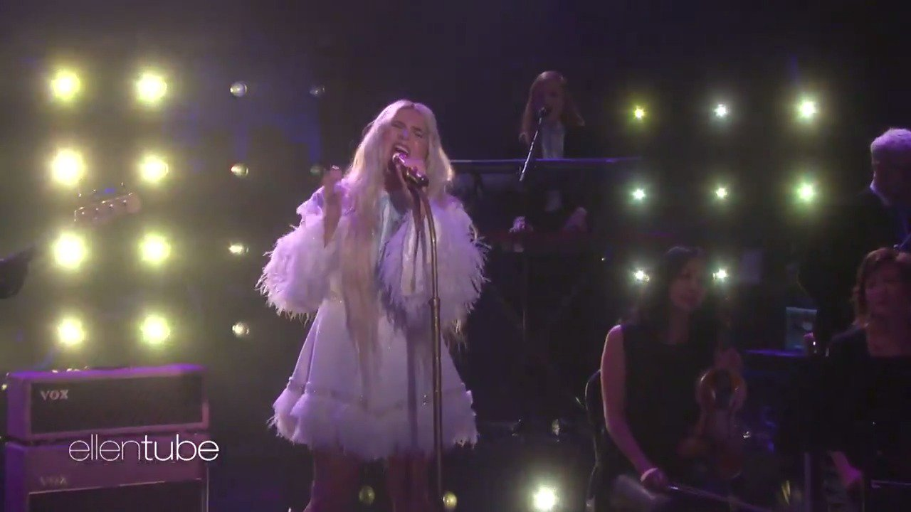 You can only see @KeshaRose's performance here. It's beautiful and powerful. https://t.co/2mv59bMxVu