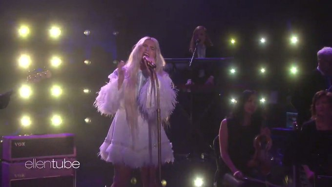 @TheEllenShow: You can only see @KeshaRose?s performance here. It?s beautiful and powerful. https://t.co/2mv59bMxVu