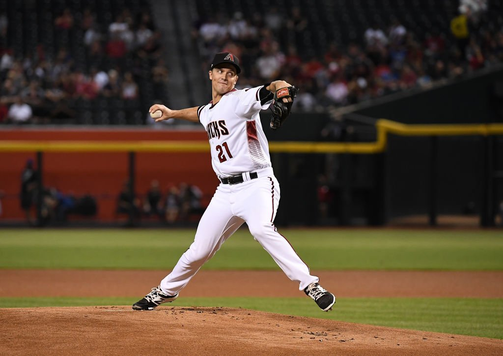 Zack Greinke looks to match the @Dbacks record with 14 home wins in a season, set by Randy Johnson in 2002.