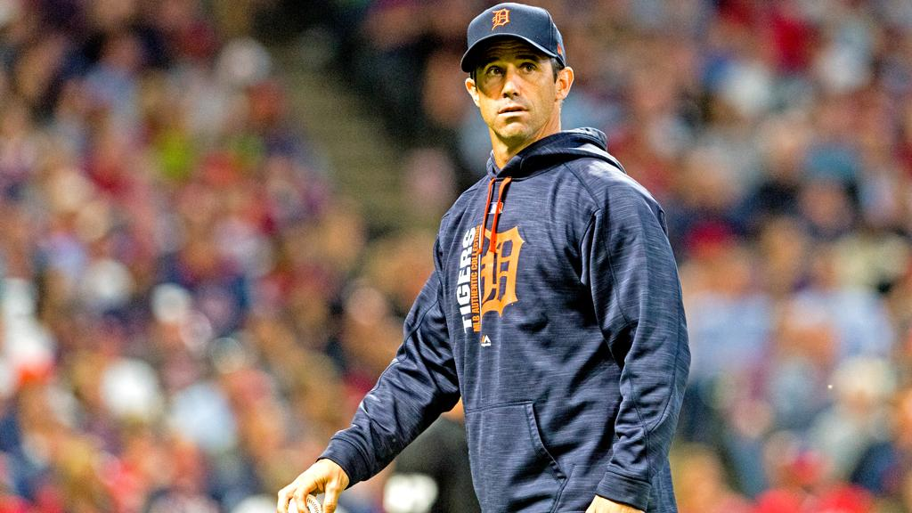 Brad Ausmus will not return as the @tigers' manager in 2018. https://t.co/T3RPX3gYNW https://t.co/FRu61YV99b