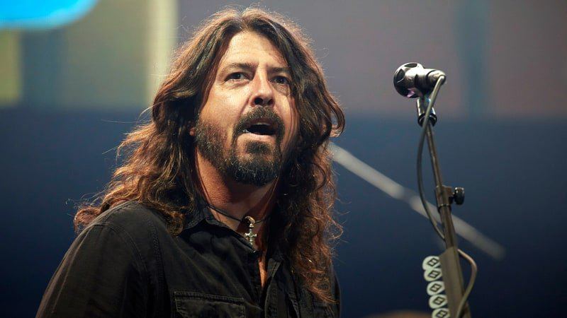 Why 200 Foo Fighters fans were turned away from London show https://t.co/MHVpDcCGIP https://t.co/AyeDQXqhov