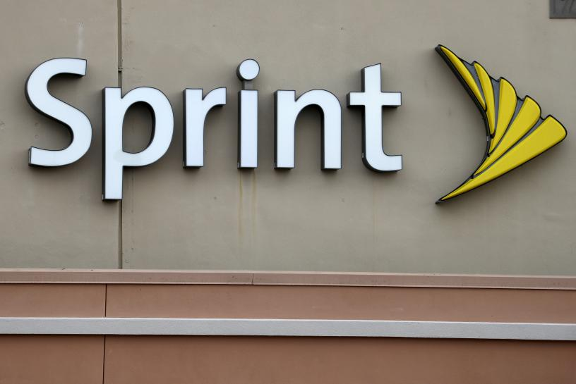 Sprint hired Trump-connected lobbyist in early September: filing https://t.co/cmfW8fWBBS https://t.co/qPtJTJelmh