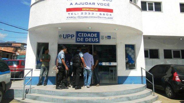 Rio Tiroteios na Cidade de Deus assustam moradores da região [@CasodePolicia]