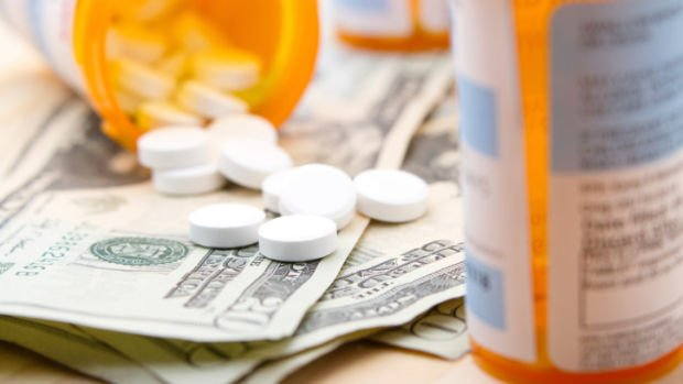 Man pleads guilty to buying opiate prescriptions from doctor