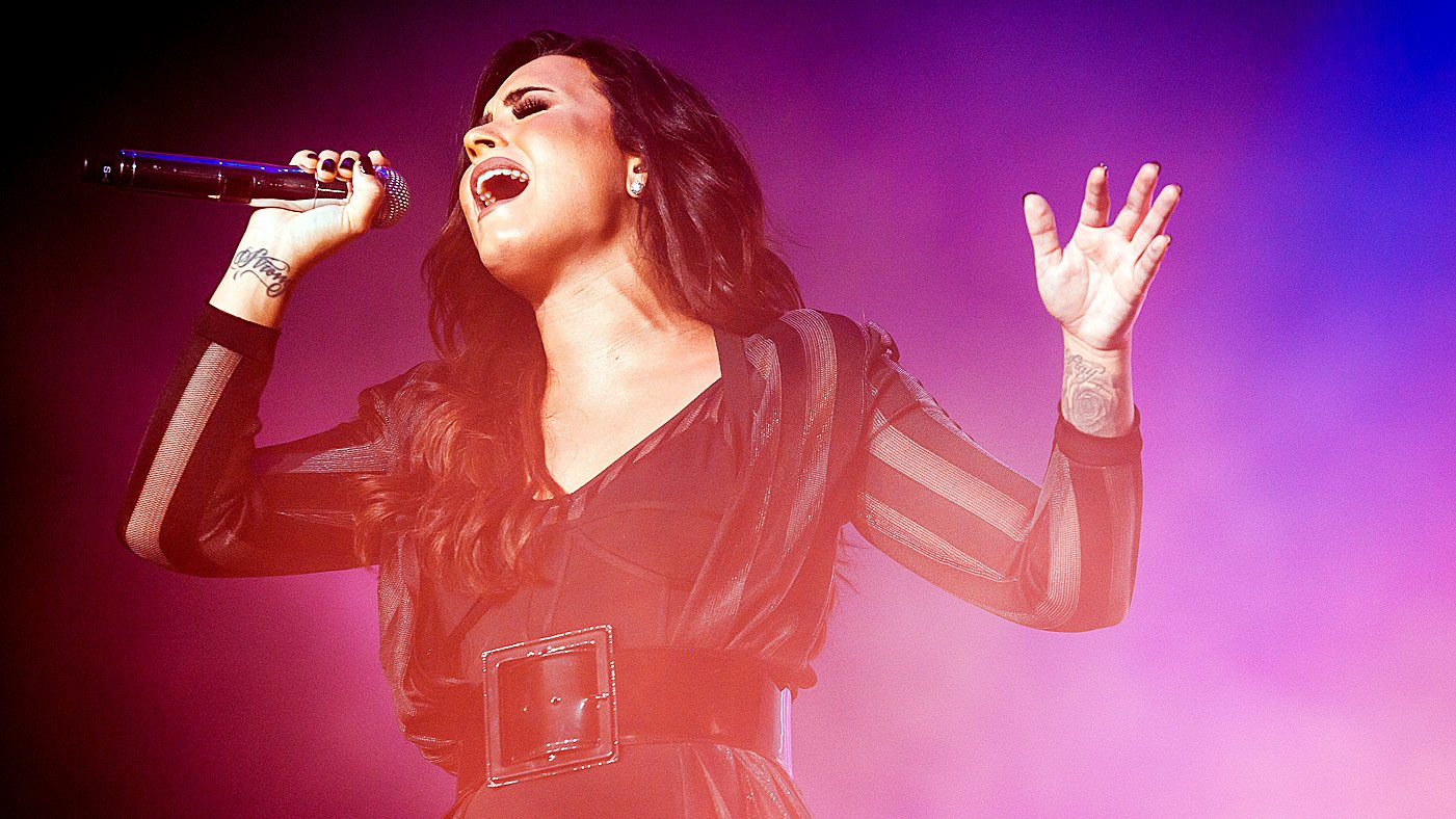 Hear Demi Lovato's uptempo new song 'Sexy Dirty Love' https://t.co/7mqXGBufYG https://t.co/JISepud8K4