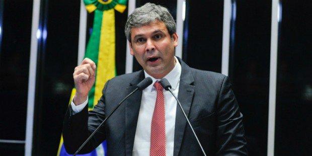 Ministro Celso de Mello autoriza abertura de inquérito contra senador Lindbergh Farias