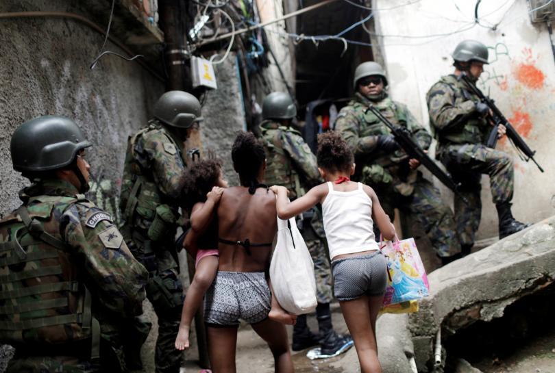 Brazil army deploys in Rio slum as drug-related violence worsens