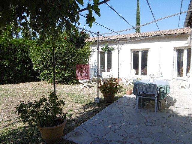 Nouveau: A vendre - Maison/villa - Garons (30128) - 6 pièces - 146m²: https://t.co/5BzVl313IQ https://t.co/0lk7sPClfi