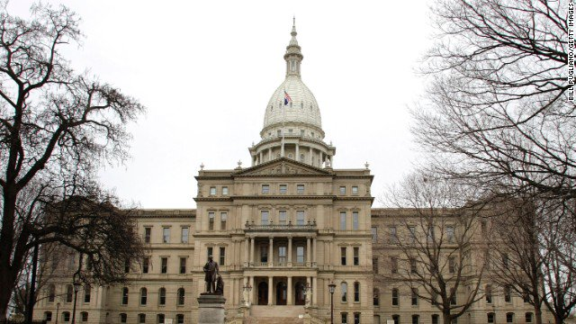 Michigan ACLU alleges state bias against same-sex foster, adoptive couples