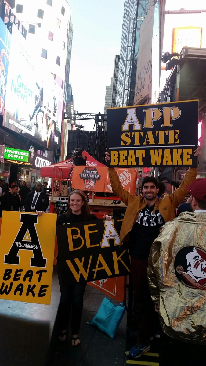 Wake up #AppNation, it's GAME DAY! App alums are out early on the set...