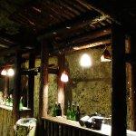洞窟内にはバーも併設!『暗黒教室』や『金田一少年の事件簿』などの映画のロケ地としても使われた洞窟酒蔵へ。#栃木#島崎酒造