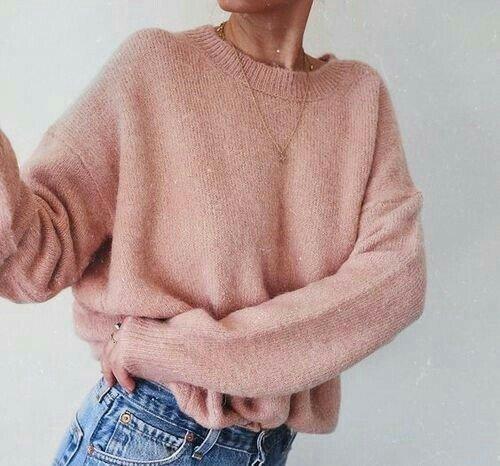 Który sweter bardziej Ci się podoba?  #RT pierwszy #FAV drugi https://t.co/QPHDIJQoXY