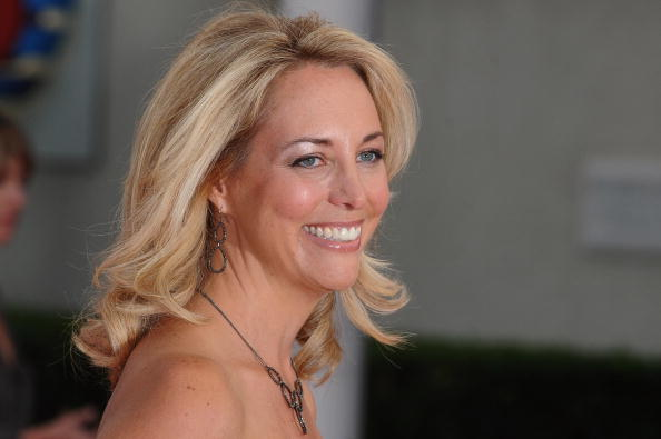 Americans Jews are starting wars, Jewish former CIA spy Valerie Plame Wilson retweets