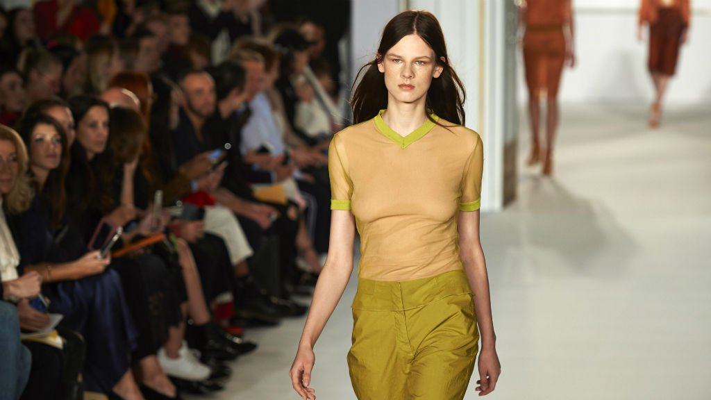 France introduces label law for 'retouched' images of models