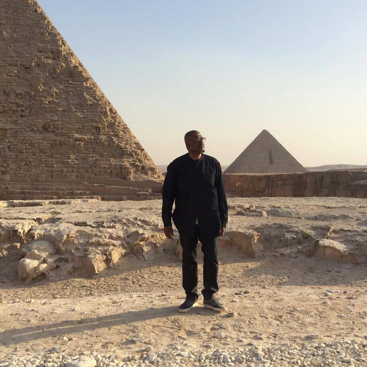 Such an inspiring moment today at the pyramids in Cairo #Egypt https://t.co/TwrkUs6WCN