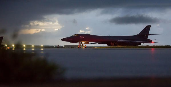 U.S. warplanes fly near North Korea in a rare show of force
