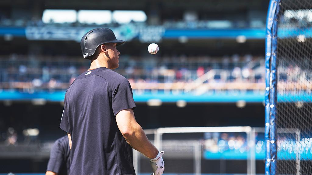 Ball up! Can @TheJudge44 bring some more thunder today?  https://t.co/czpSSQ1vaZ (Via MLB Fans) https://t.co/mjsrW1TyLc