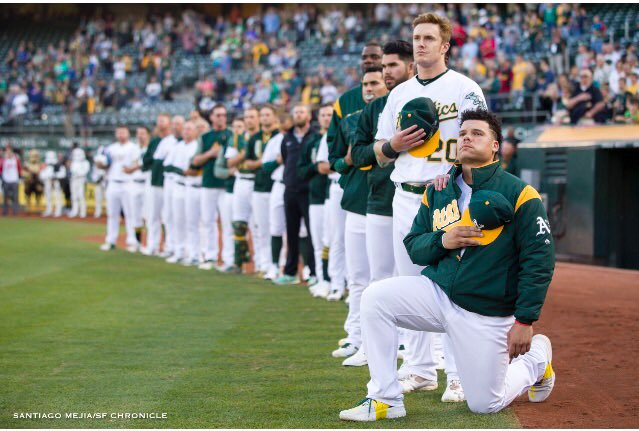 Bruce Maxwell becomes first MLB player to take a knee for national anthem (��: @sfchronicle) https://t.co/AYT9ACMMDd https://t.co/c9ZgUMBS2E