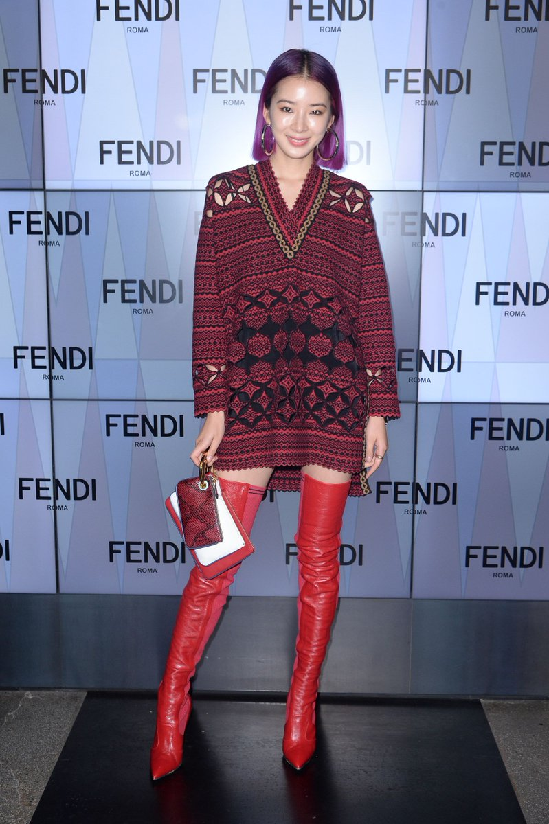 In the spotlight! @ireneisgood at #FendiSS18 in Milan. https://t.co/XiEgnEXUQq
