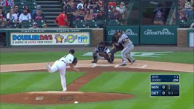 Bunt and run. That's a Little League homer! https://t.co/hXoRaAbEbF