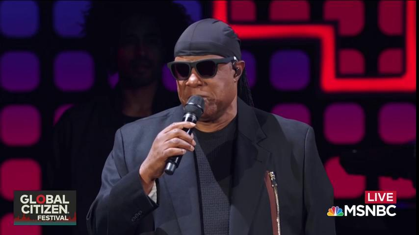 Time for the last act of the night! The legendary Stevie Wonder takes...