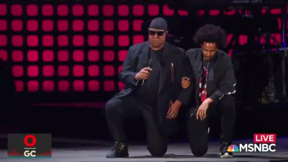 WATCH: Stevie Wonder takes a knee 'for America' https://t.co/MOkILYKsG6 https://t.co/gt9bc3o1Zo