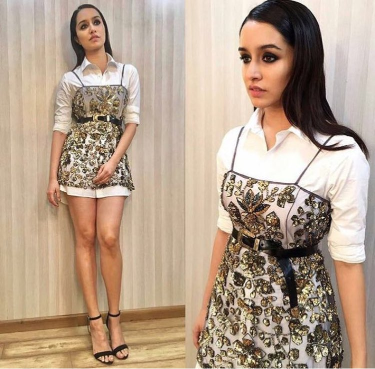 #ShraddhaKapoor is working the hell outta this chic and glam look 💥