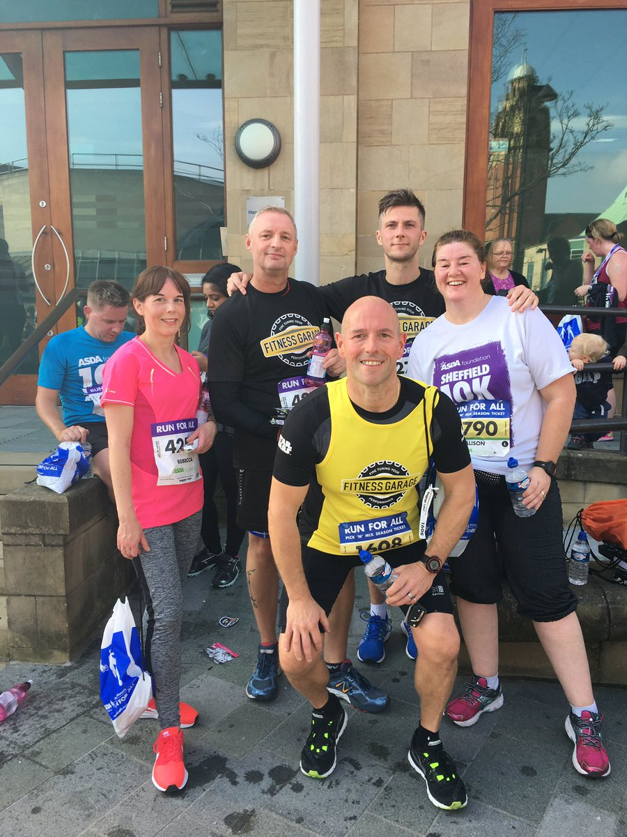 @fitnessgarageuk all finished well done everyone 🏃🏻🏃🏻🏃🏻#Sheffield10k https://t.co/VGUA3DN51y