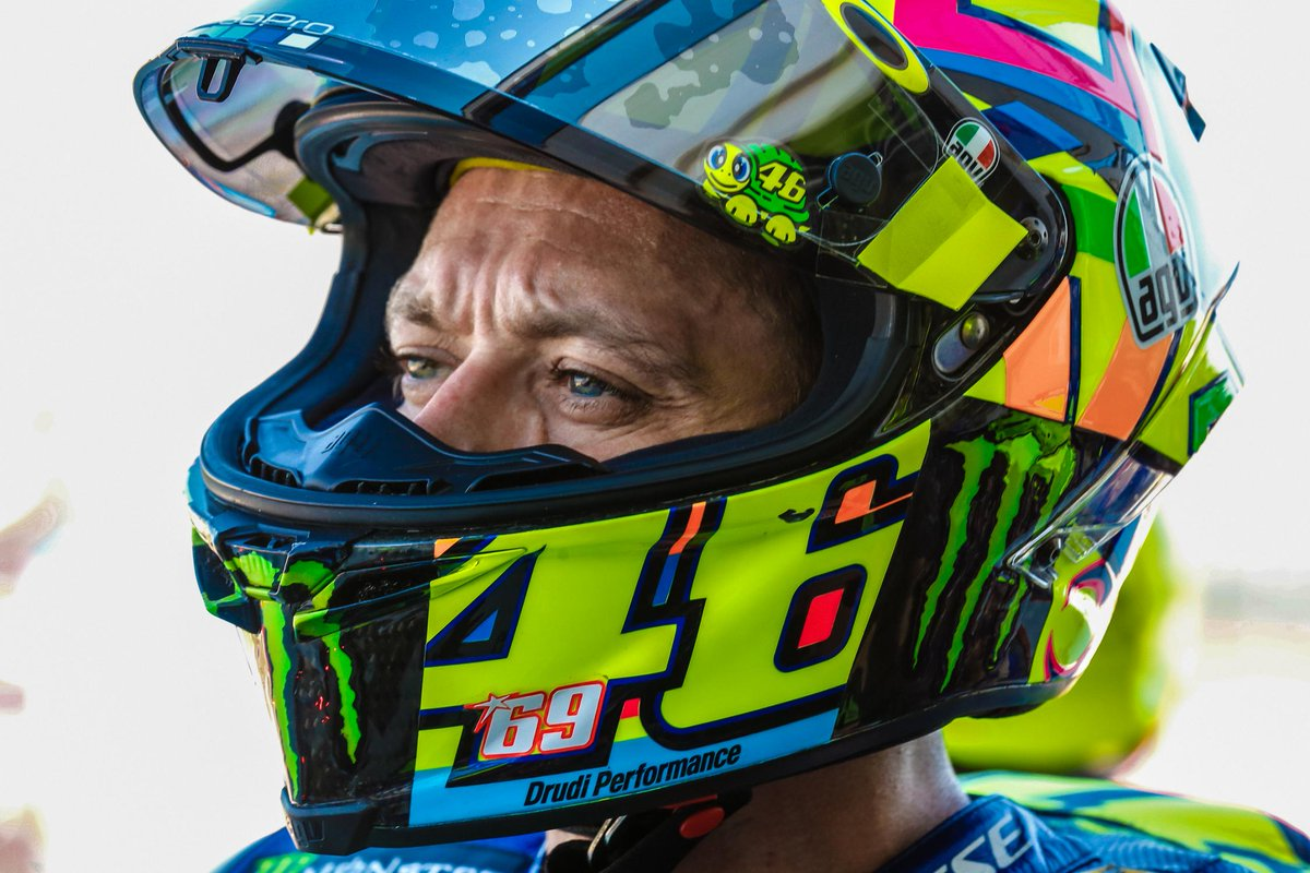 test Twitter Media - 24 days after breaking his leg...  He's back on a #MotoGP grid - and the front row!  @ValeYellow46 is something else! #AragonGP https://t.co/Cyzptt8i4p