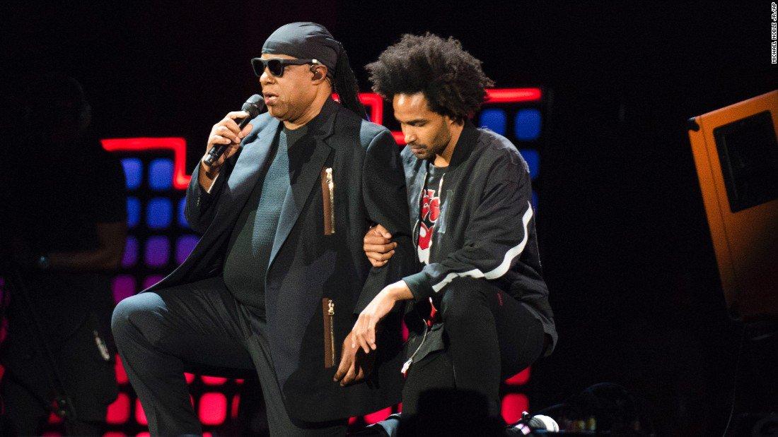Stevie Wonder took both knees 'for America' before performing in New York last night https://t.co/4QFyF3AytL https://t.co/p0UfmrJPVJ