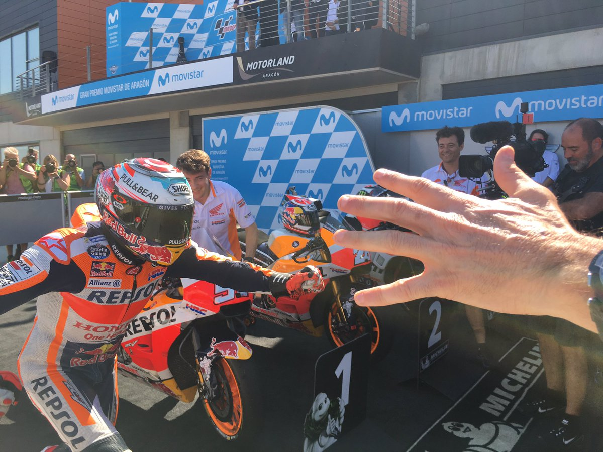 test Twitter Media - 60th victory!!! @marcmarquez93 Thanks team for another great day. #AragonGP https://t.co/zf1rnAtjBA