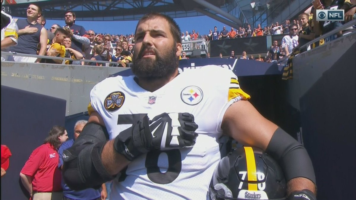 Alejandro Villanueva was the lone Steelers player to come out during t...