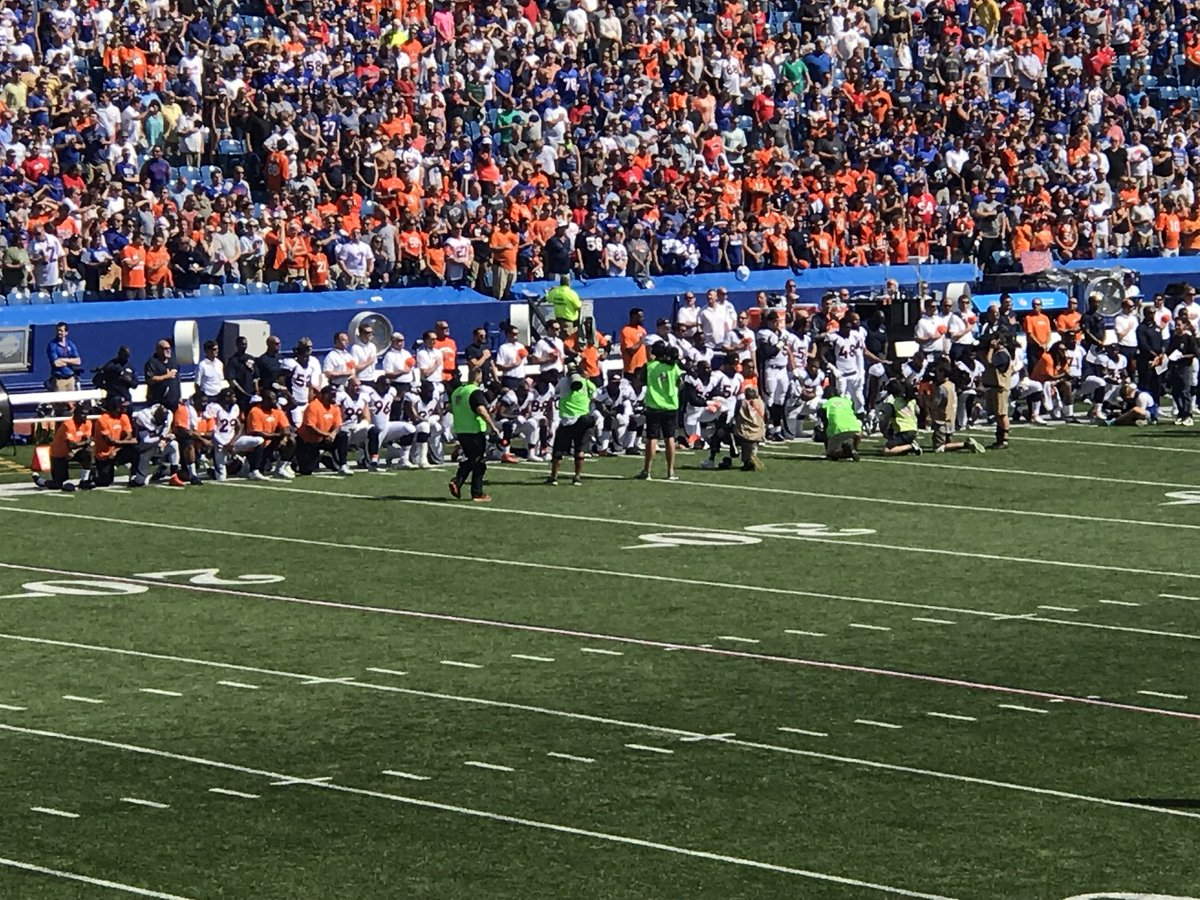 RT @yamanboo: Almost entire Broncos team takes a knee #Bills https://t.co/gEOIbtVMo4