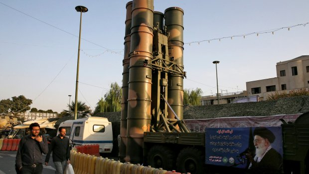 Iran displays S-300 air defence missile system to public