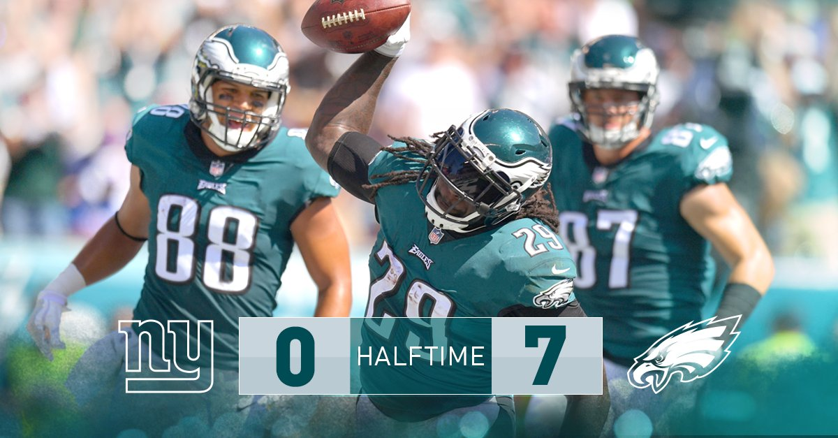 Up seven at the half. #FlyEaglesFly https://t.co/uXlRpDF5Qe