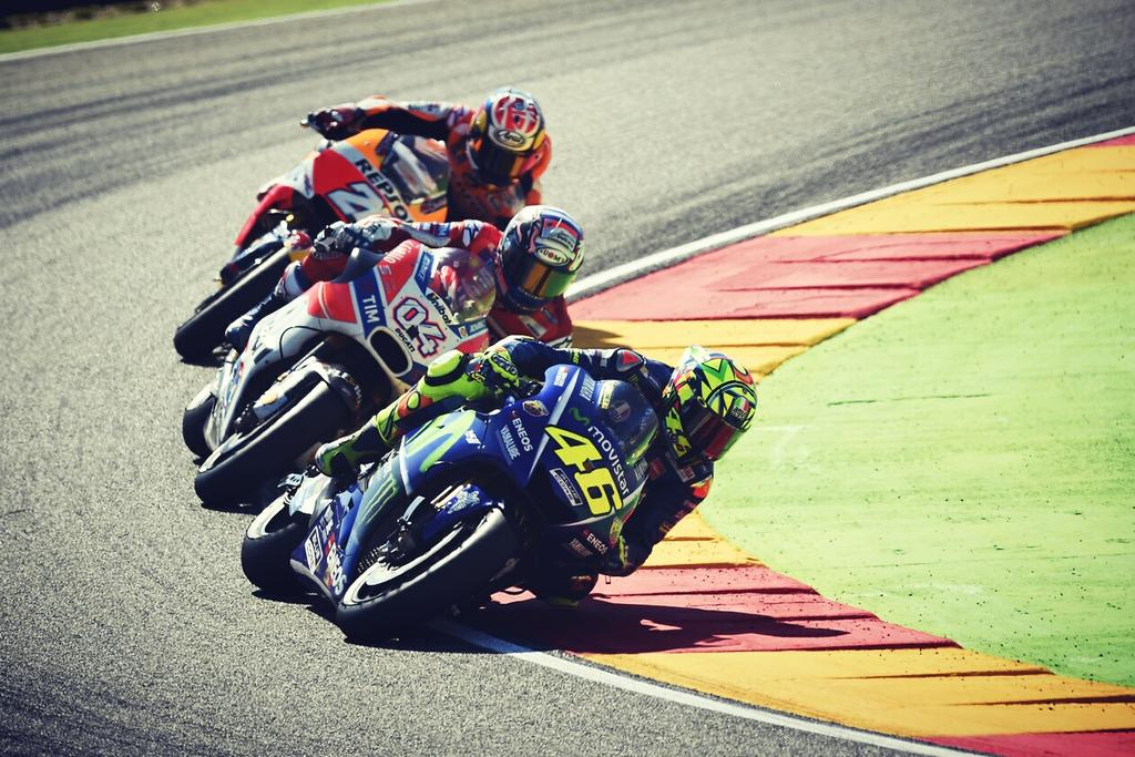 test Twitter Media - Race day...  #AragonGP 🇪🇸 📷 #ForzaVale46 🌞🌙 https://t.co/3QrGokTzZR