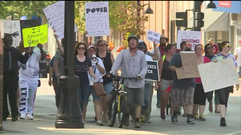 Protesters released from St. Louis County jail, demonstrations in Belleville, Ferguson